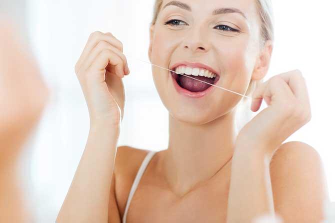 Igiene orale: lavarsi denti subito dopo mangiato? Un falso mito