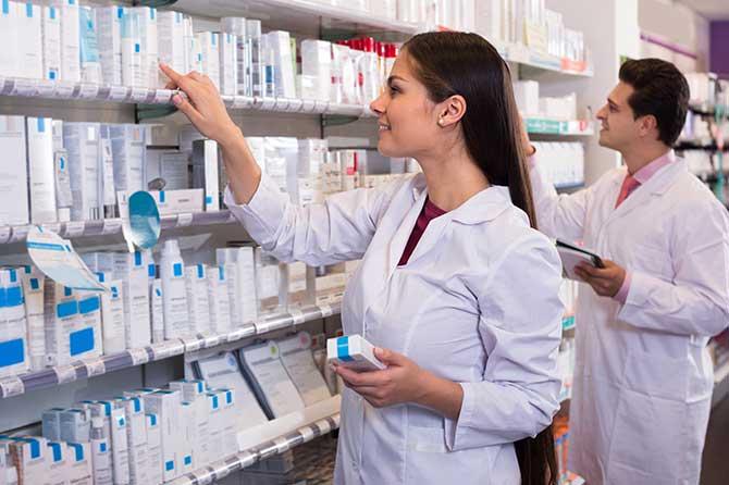 Milano, nelle farmacie arrivano controllo nei e centri antifumo