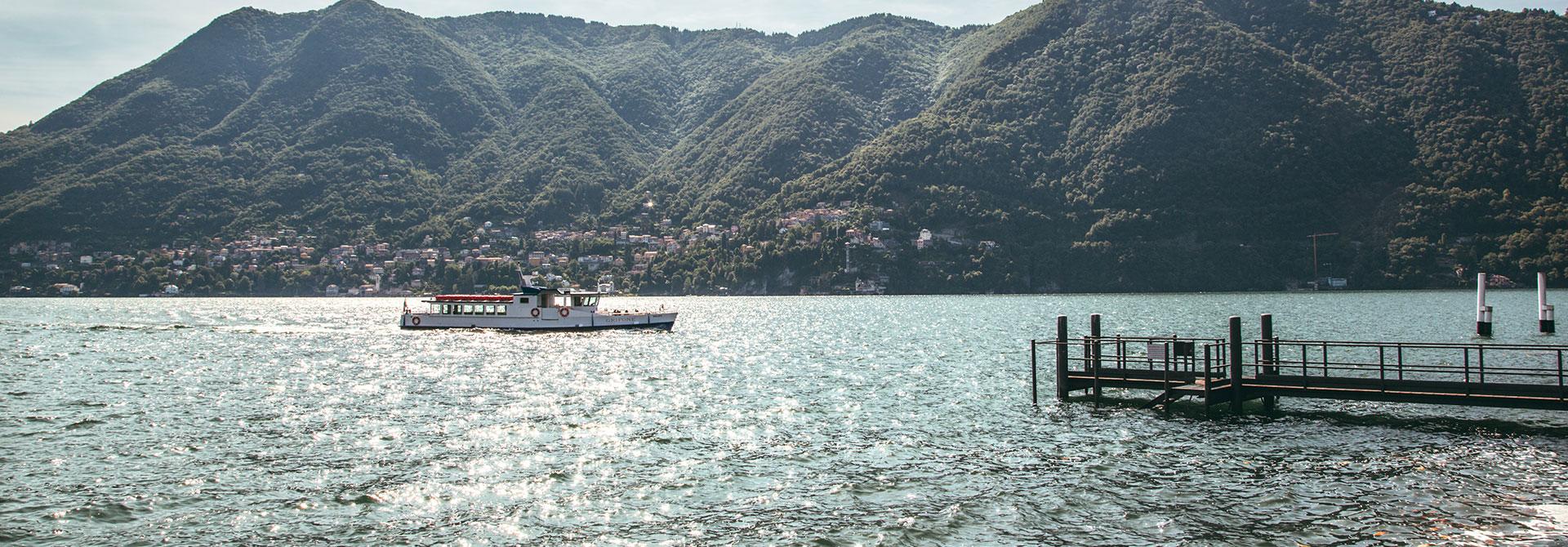 Battello sul lago di Como