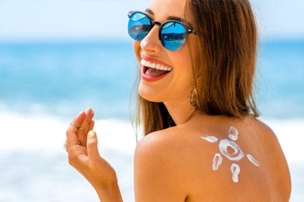 Pelle protetta per un'abbronzatura perfetta, sicura e sana